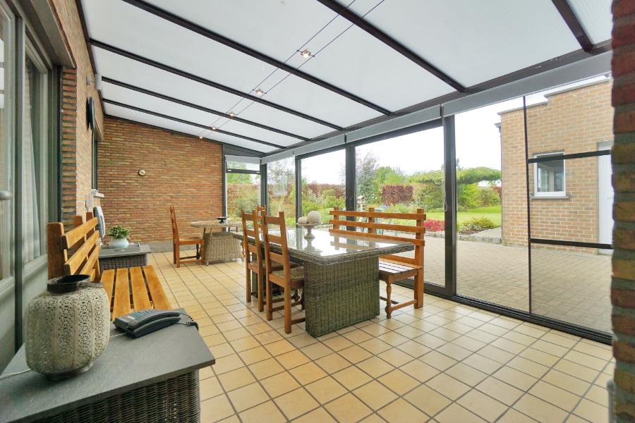 Gerenoveerde woonst met loods/atelier (225m²), voorzien van zonnepanelen