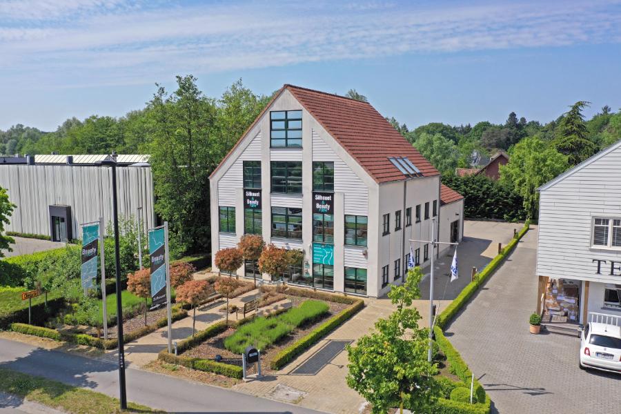 Commercieel gebouw (504m²) langsheen de Kortrijksesteenweg in Sint-Martens-Latem