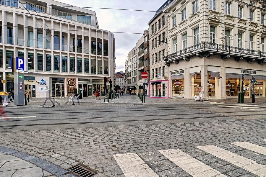 Veelzijdig handelspand te huur op de Kouter in hartje Gent