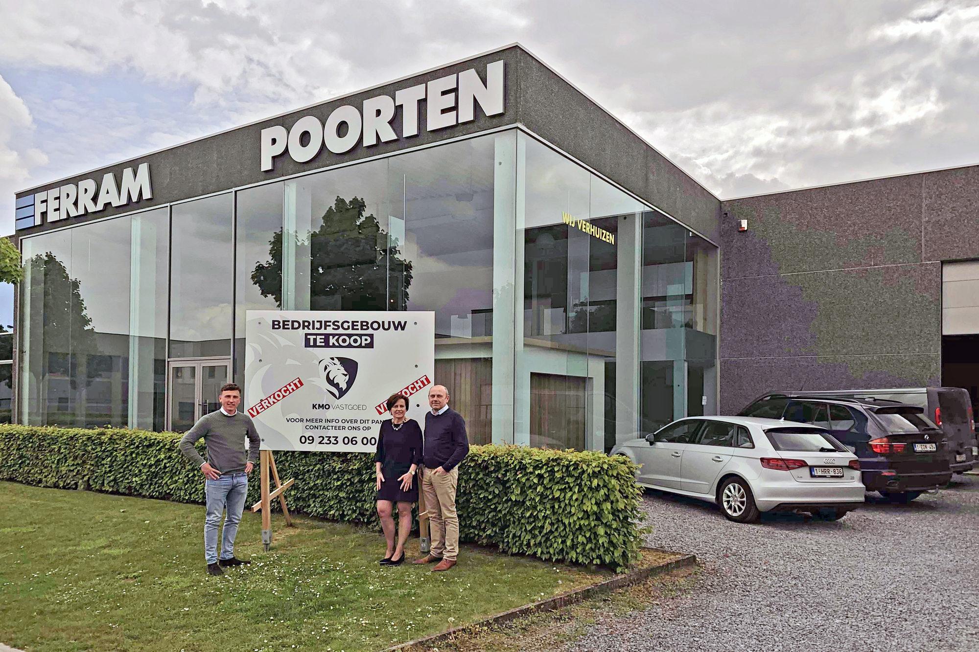 Poortenspecialist verhuist zorgeloos naar nieuwbouw dankzij KMO Vastgoed.